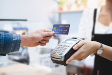 アルバイトでもクレジットカードは作れる?在籍確認についても解説