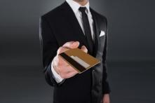 クレジットカードは気の遣い所。サラリーマンの選ぶべきカード